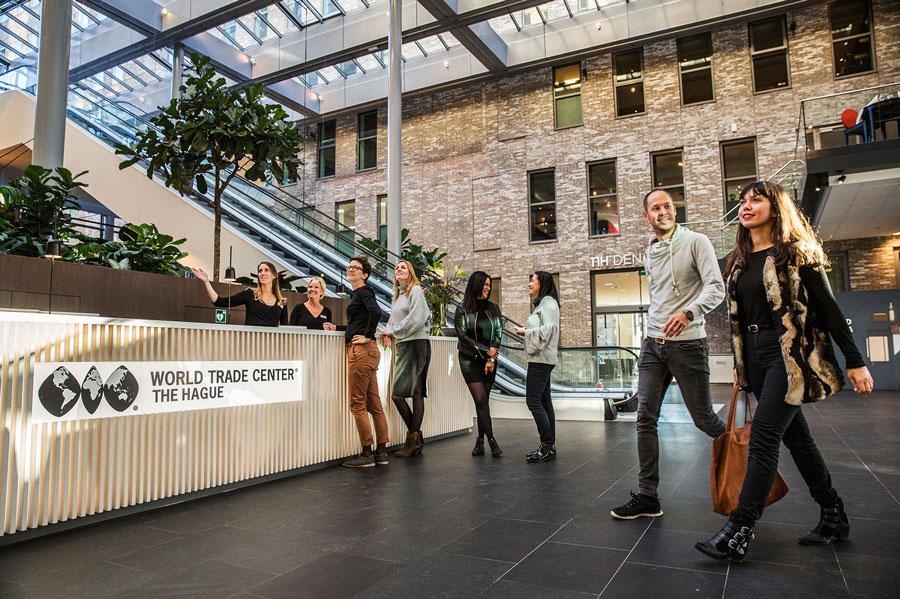 Faciliteiten in WTC Den Haag: Lobby, de internationale huiskamer van WTC Den Haag